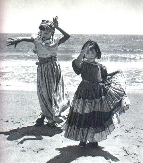 Dancing girls on the shore...I can almost hear the gypsy music.  #Gypsies #Roma #Dancing