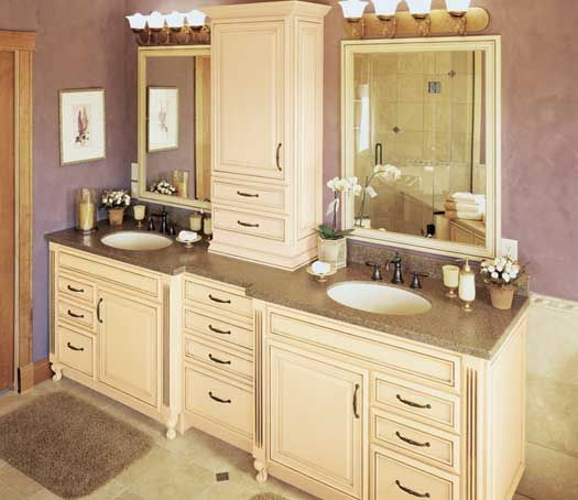 Gallery For Photographers Fieldstone Cabinetry Glen Cove door style in Maple finished in Eggnog with Chocolate glaze Bathroom Vanity