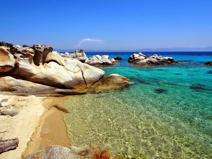 This is not at the #Seychelles  it´s my   #secretgreece   #Beach   in #Sarti   #Halkidiki   #Greece  @visitgreecegr  @visithalkidiki