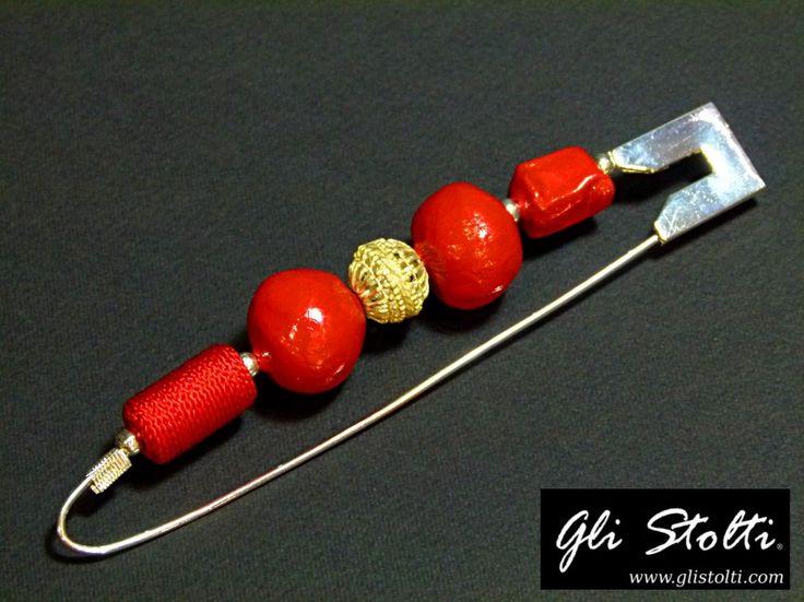 """Spilla da balia bijou artigianale con elementi in vari materiali """"Lady Macy"""". Vai al link per tutte le info: http://glistolti.shopmania.biz/compra/spilla-da-balia-bijou-artigianale-lady-macy-599 Gli Stolti Original Design. HandMade in Italy. #glistolti #moda #artigianato #madeinitaly #design #stile #roma #rome #shopping #fashion #handmade #handicraft #handcrafted #style #bijoux"""
