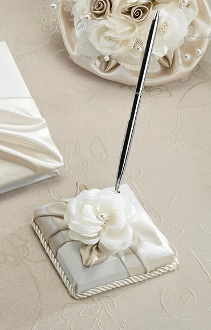 Make Signing In An Elegant Experience With A Taupe Rose Pen Set The Base Of This Wedding Is Wred Layers Satin Decorated