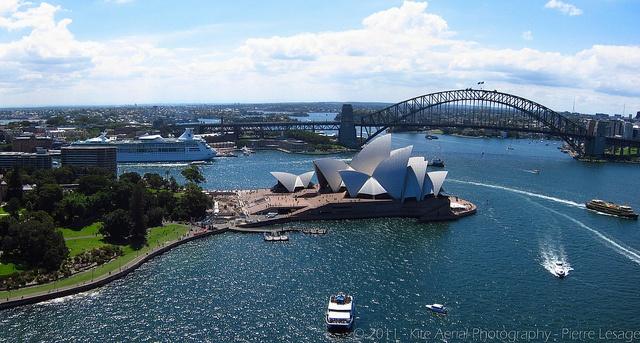KAP on SOH (Kite Aerial Photography on Sydney opera House) by Pierre Lesage, via Flickr