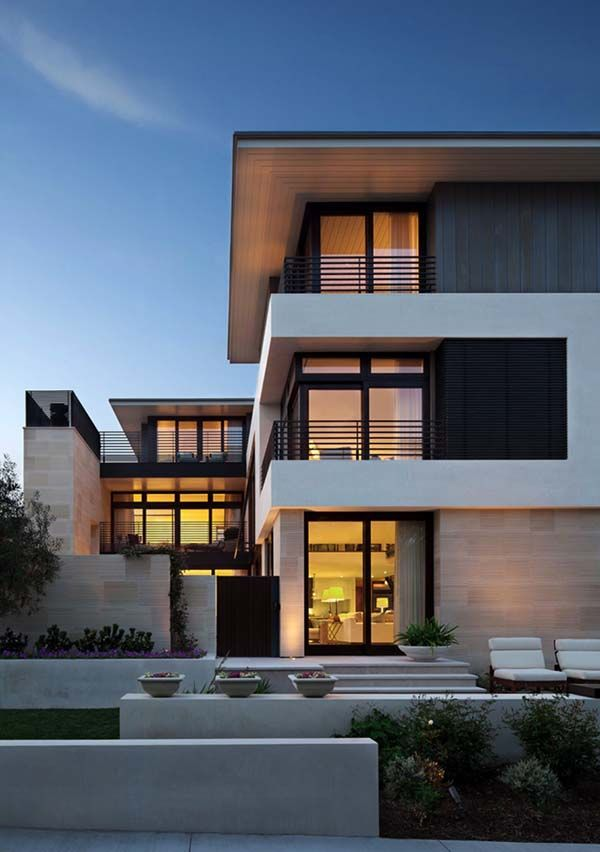 chic beach house displaying inviting interiors in manhattan beach - Modern Home Designs