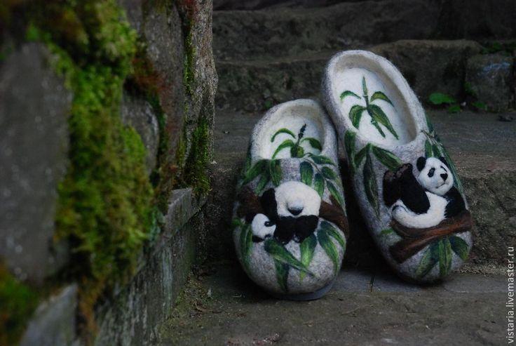 Купить Тапочки 44 «Панды» - серый, панды, валяные тапочки, рисунок шерстью