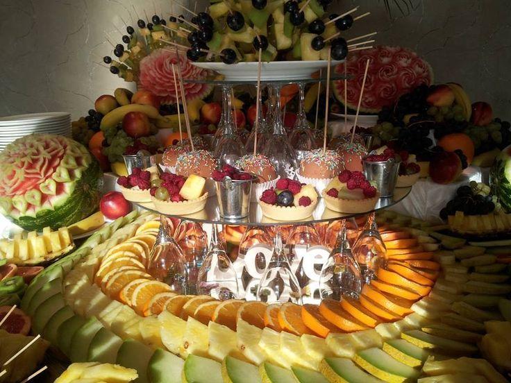 Masa de fructe, bar de fructe, fructe sculptate