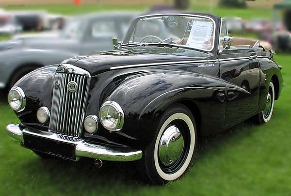 Sunbeam Talbot Coupe from 1950, this car is something I would Drive everyday.