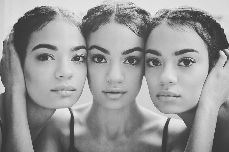 Identical triplets photography | Triplet portraits | Sisters | #triplets #sisters