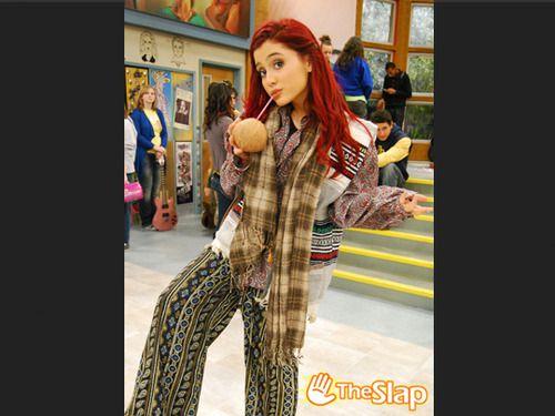 Ariana Grande  Et Cat Dans Victoriouse