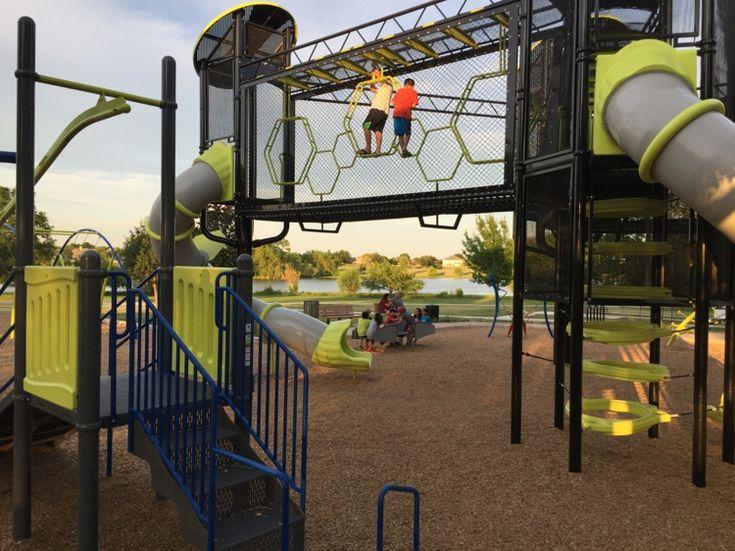 moderne spielplatzgeräte kletterwand rutsche #design #kids #garden