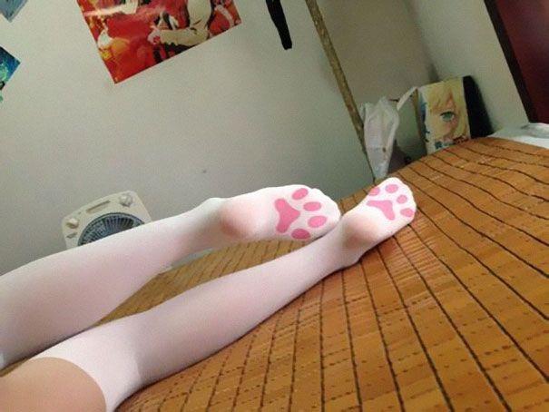 15 chaussettes et collants originaux   15 chaussetttes et collants originaux patte de chat