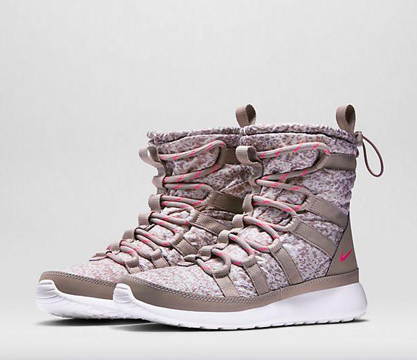 on sale 9d731 dc062 ... Nike Roshe Run Hi Sneakerboots ...