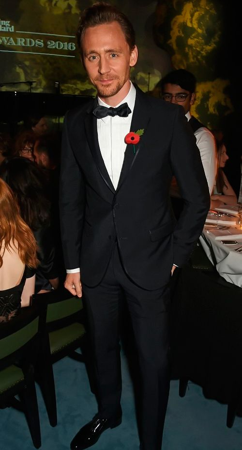 Tom Hiddleston at the Evening Standard Theatre Awards 2016. Source: http://www.dailymail.co.uk/tvshowbiz/article-3932972/Sharp-suited-Tom-Hiddleston-arrives-Evening-Standard-Theatre-Awards-good-spirits-amid-claims-Taylor-Swift-sing-breakup.html Full size image: http://maryxglz.tumblr.com/post/153170150037/x