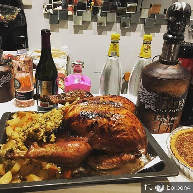 Padre Azul Tequila On Instagram The Prefect Thanksgiving Dinner Repost From Borbon4 Franksgivin In 2020 Thanksgiving Dinner Dinner Food