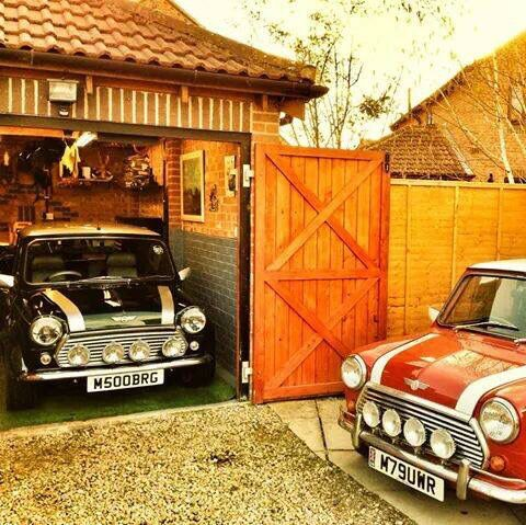I would love to have a vintage mini one day.. so cool. I wonder if I could even drive it.