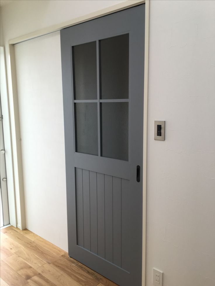 inhouse+Design 長崎県大村市 床ラスティックオーク、建具オーダー塗装、スイッチプレート