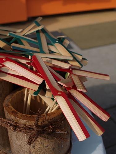 竹とんぼ Take-tonbo (Japanese helicopter-like bamboo toy)