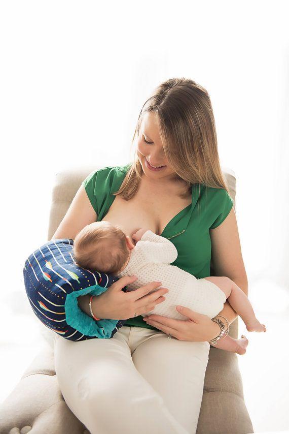NURSIE® ORIGINAL Braveheart Nursie / soins infirmiers bras oreiller / coussin d'allaitement / cadeau de Shower de bébé, coussin d'allaitement de voyage / en attente de BREVET