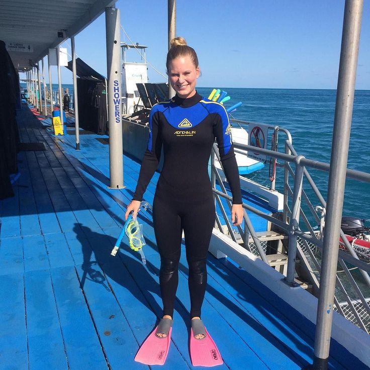 P A R A D I S  Har brugt mine sidste dage på en båd midt ude på havet på Great Barrier Reef hvor vi har snorklet dykket og sovet under stjernerne og supermånen- langt væk fra alt lys!  #Australia #Airliebeach #Greatbarrierreef #Withsundays #snorkling #scuba #diving #sledpingunderthestars #stars #fullmoon #supermoon #paradise #love #life #nevercominghome #Denmark #13daysleft #backpacker #backpackerlife #friends #love by anjaschwabach http://ift.tt/1UokkV2