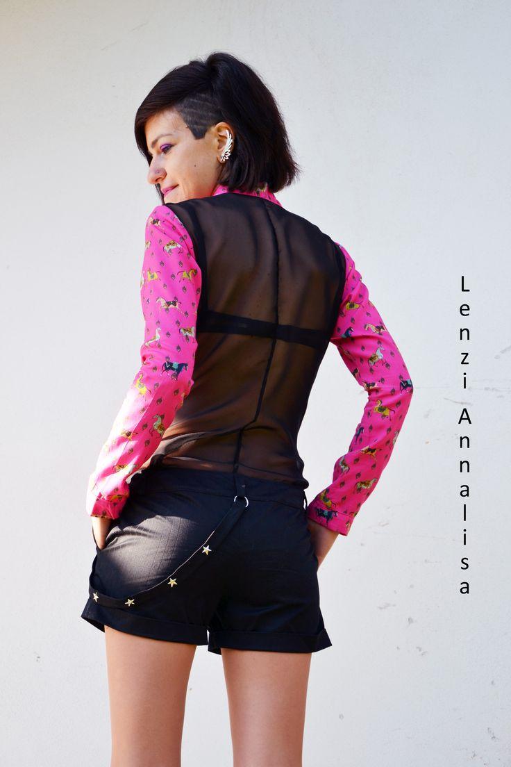 Camicetta in cotone con retro trasparente e short gessati.  info@annalisalenzi.com