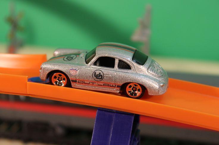 #porsche356 #vintagecars #hotwheels #toys #rancingcars #silver