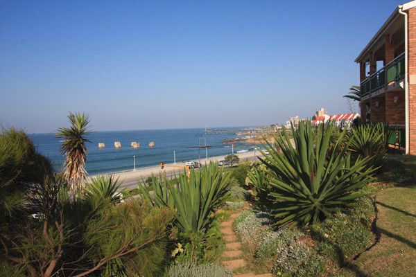 Awaken to panoramic views of the Indian Ocean and unspoiled beaches just waiting to be explored. A short drive from the city of Port Elizabeth, Brookes Hill Suites is within walking distance of the beach and is in close proximity to fine-dining restaurants, night clubs and a variety of shopping experiences.    http://www.flexiclub.co.za/Destinations/LocalDestinations/Pages/Resort-Details.aspx?key=13