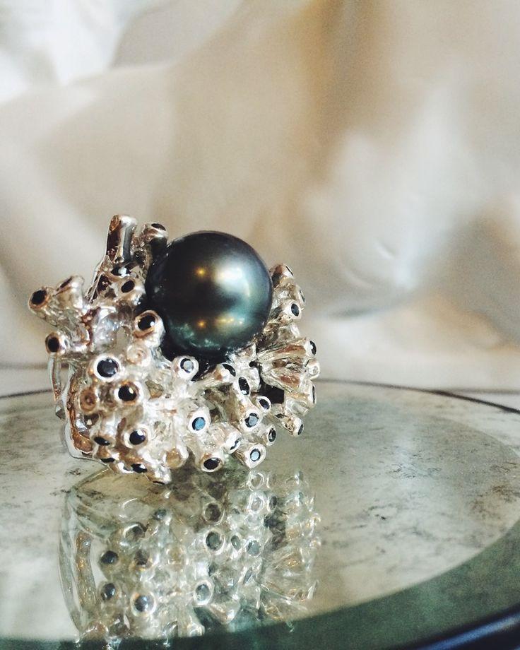 """Таможня Kimberlin коричневый """"Гоген"""" Таитянский жемчуг и кольца с крупными черными бриллиантами"""