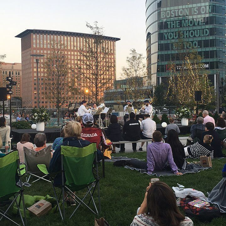 The Boston Symphony Chamber Brass Quintet are live at the @seaportbos! Use… #BostonSymphonyOrchestra #holidaypops #MarketDistrict #Boston