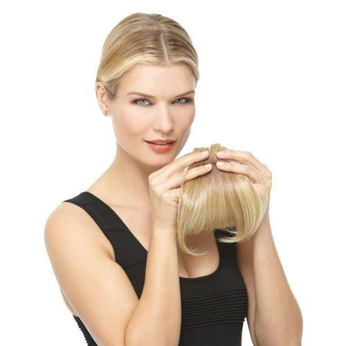 Modern Fringe è l'accessorio per capelli ideale se ti piace giocare con l'aspetto dei tuoi capelli ma non vuoi ricorrere spesso al parrucchiere. La frangia moderna Hairdo ha un effetto naturale e si mimetizza con la tua chioma naturale. È facile da applicare e ti consente di cambiare il tuo aspetto in modo semplice e veloce.