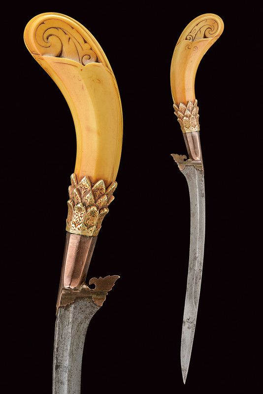 Ethnographic Arms & Armour - Crowns on Aceh weapons revisited