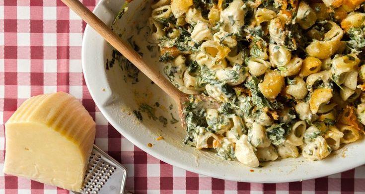 Κοχύλια στον φούρνο με σπανάκι και φέτα