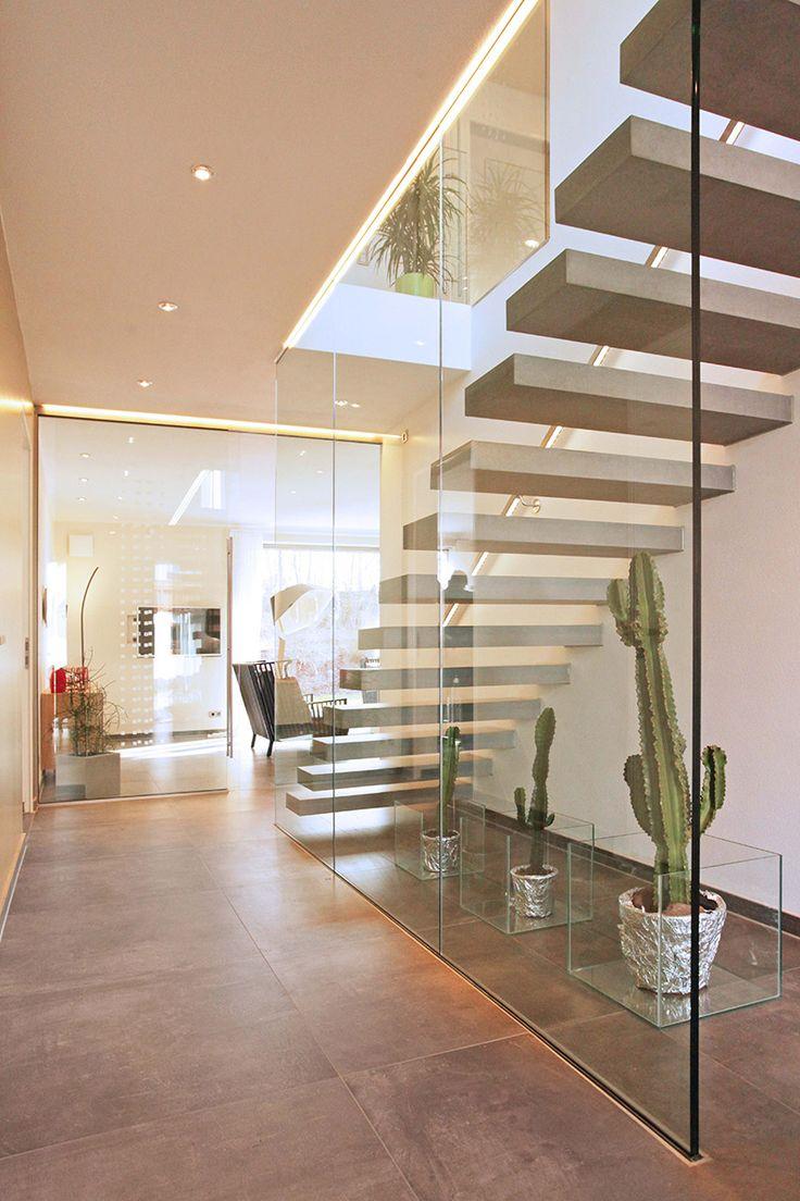 Moderne häuser innen  Die besten 25+ moderne Treppe Ideen auf Pinterest | modernes ...