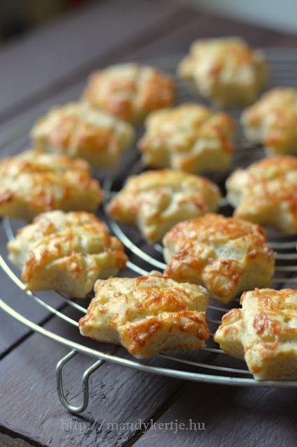 Mandy kertje és konyhája : Lucanapi sajtos pogácsa