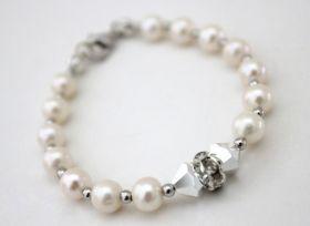 Bracelet Ice Bracelet handmade in Italy in pearls, swarovski, strass and silver 925. #madeinitaly #artigianato #swarovski #bracciale #bracelet #argento #silver