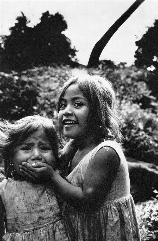 Mary Ellen Mark. Hush!. c.1967.  [::SemAp::]