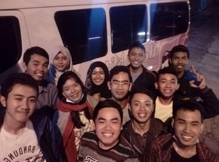 Ke Yogyakarta cuma buat cari SS(Spesial Sambal). Kalian hebat guys. . 9 Agustus 2016 . #Yogyakarta #Liburan #Indonesia #HelloKitty #Teman #Holiday #Friends #Latepost