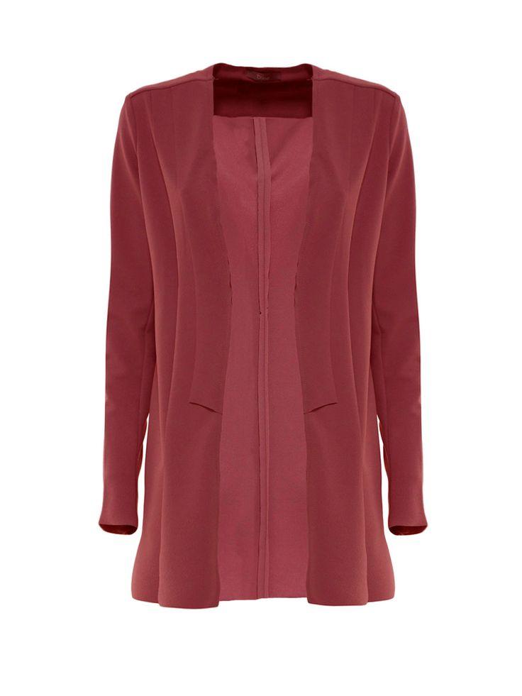 Blazer da giorno e da sera da abbinare ad abiti o pantaloni a sigaretta. Blazer for every day witha dress or sigarette pants.