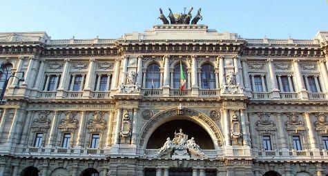 Roma, l'esterno della Corte di Cassazione (LaPresse)