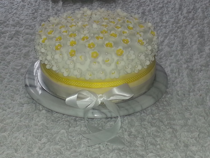 Lemon Vintage Celebration Cake