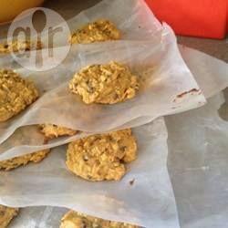 Chocolate Chip Cookies mit Kürbis und Haferflocken - Diese Cookies sind eine Kombination aus Chocolate Chip Cookies, Oatmeal Cookies und Kürbis-Cookies. Die Zuckermenge kann nach Geschmack etwas reduziert werden. @ de.allrecipes.com