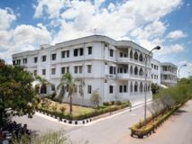 IIIT, Hyderabad Invites Applications for M.Tech Programs 2015 Applications are invited by International Institute of Information Technology (IIIT), Hyderabad for admission to 2 years Master of Technology (M.Tech) program in Computer Science and Engineering, Computer Science and Information Security, VLSI & Computer Engineering, Computer Aided Structural Engineering and Bioinformatics for the session 2015.
