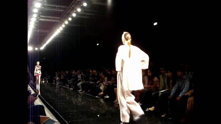 Milano Moda Donna - Federico Sangalli - Sfilata collezione P/E 2010 www.federicosangalli.it