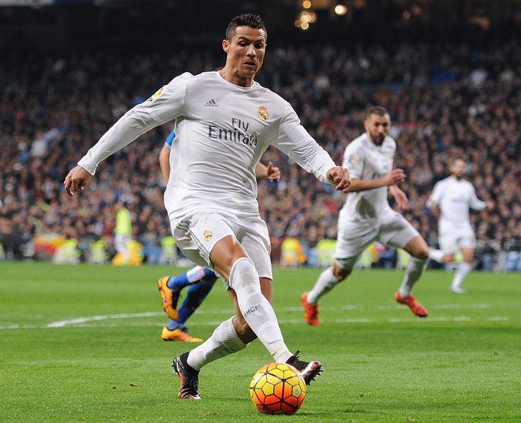 Si eres del Real Madrid aprovecha los códigos descuentos exclusivos de MasCupon en la tienda oficial del equipo.  #MasCupon #Real #Madrid #fútbol #tienda #oficial #descuento