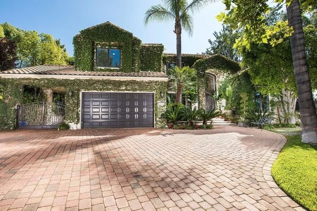 Tupacs Last Home Is Now Up For Sale