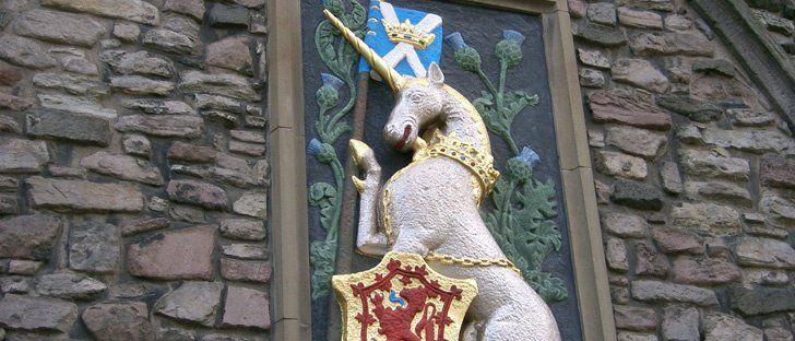 L'animal officiel de l'Écosse est la Licorne La licorne fictive a été un symbole héraldique de l'Ecosse depuis le 12ème siècle quand elle a été adoptée par Guillaume Ier d'Ecosse. Cette créature mythique symbolise l'amour honnête, la chasteté et la pureté, elle est considérée comme un emblème de puissance, de force, de noblesse, de beauté et d'immortalité