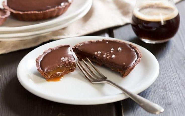 Τι συμβαίνει και σε πιάνει μανία για γλυκό μετά το φαγητό;