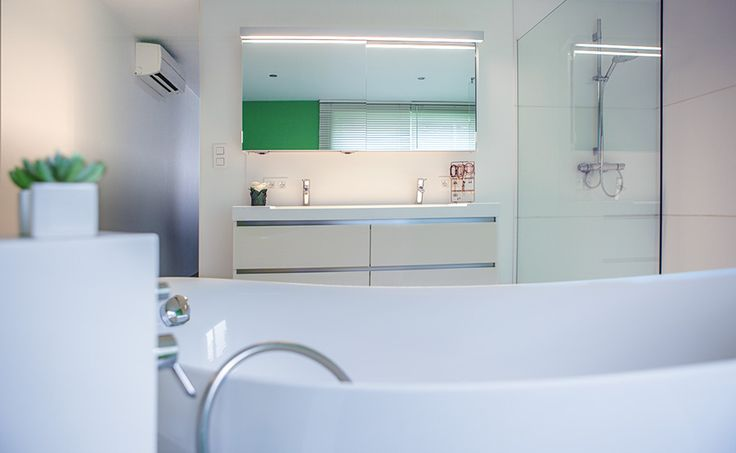 Designer bathroom in a small space. Create a rich feeling in your bathroom with the Solid Surface of Assenti.