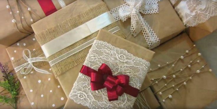 Pynt dine julegaver med bånd, blonder, perler, fjer og pailetter
