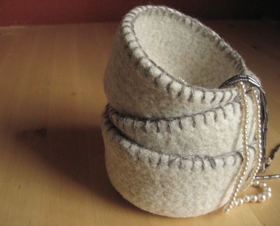 like the blanket stich edging for these baskets