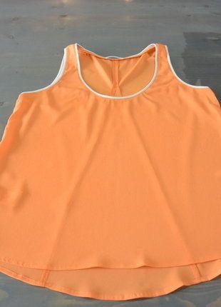À vendre sur #vintedfrance ! http://www.vinted.fr/mode-femmes/autres-hauts/30005940-top-orange-evase