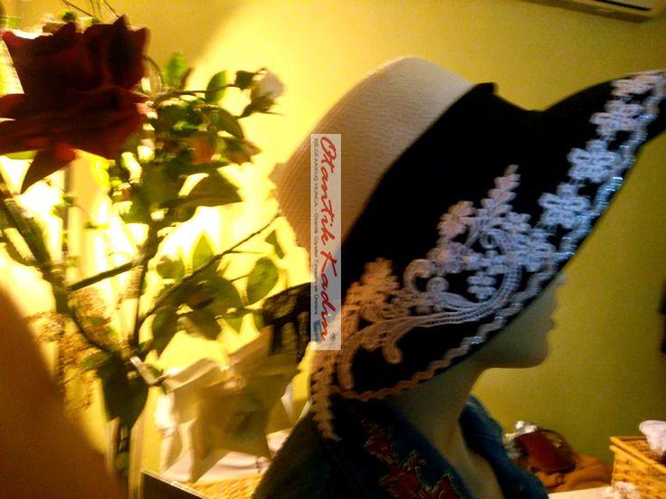 Siyah Beyaz Şapka - 160317   Otantik Kadın, Otantik Giysiler, Elbiseler,Bohem giyim, Etnik Giysiler, Kıyafetler, Pançolar, kışlık Şalvarlar, Şalvarlar,Etekler, Çantalar,şapka,Takılar